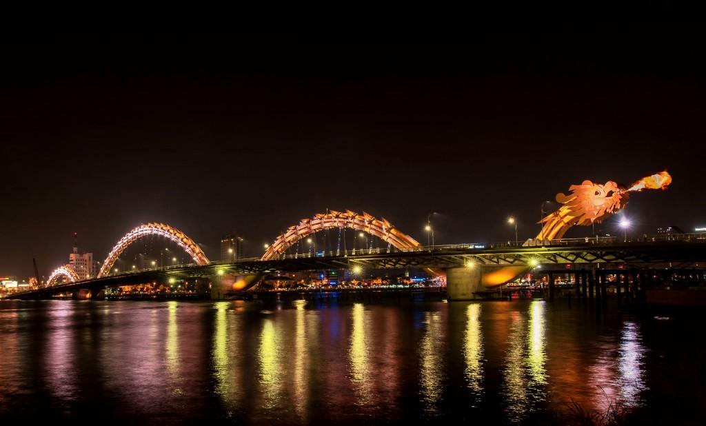 Philips lights Vietnam's iconic Dragon Bridge in Da Nang with su